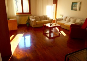 thimg 27 285x200 Appartamenti a Matelica