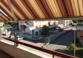 thimg IMG 0034 285x200 Appartamenti fuori Matelica
