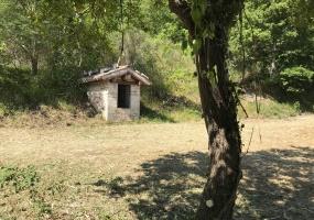thimg IMG 0073 285x200 Terreni e rustici