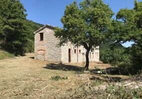 thimg IMG 0085 285x200 Terreni e rustici